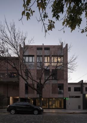 http://federicocairoli.com/files/gimgs/th-306_54_Edificio Olaguer - © Federico Cairoli (low).jpg