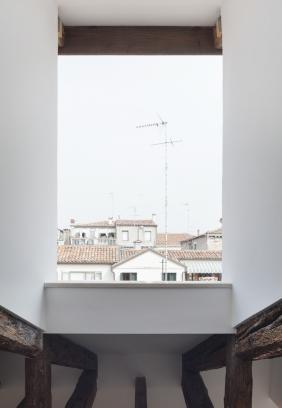 http://federicocairoli.com/files/gimgs/th-320_19_Apartamento Moreno- © Federico Cairoli (low).jpg