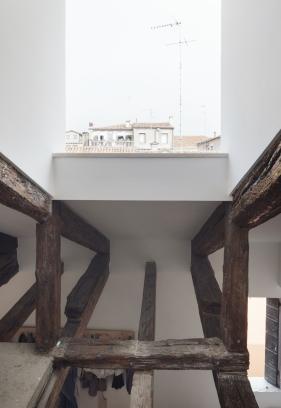http://federicocairoli.com/files/gimgs/th-320_18_Apartamento Moreno- © Federico Cairoli (low).jpg