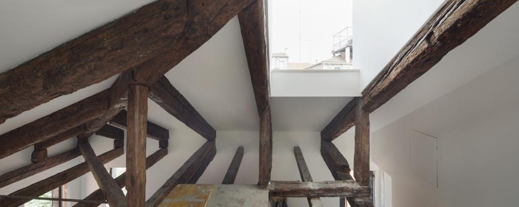 http://federicocairoli.com/files/gimgs/th-320_21_Apartamento Moreno- © Federico Cairoli (low).jpg
