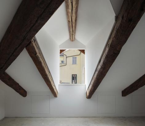 http://federicocairoli.com/files/gimgs/th-320_37_Apartamento Moreno- © Federico Cairoli (low).jpg