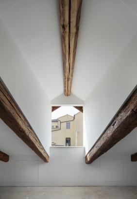 http://federicocairoli.com/files/gimgs/th-320_38_Apartamento Moreno- © Federico Cairoli (low).jpg