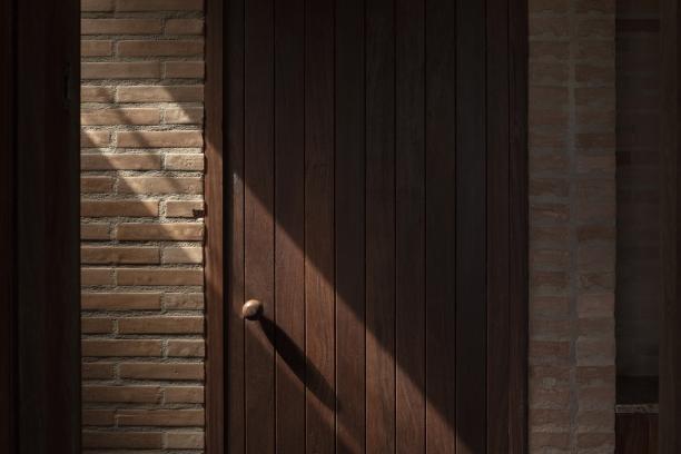http://federicocairoli.com/files/gimgs/th-339_40_Casa em Cunha - © Federico Cairoli (low).jpg