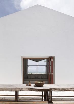 http://federicocairoli.com/files/gimgs/th-382_16_Casa Modico - © Federico Cairoli (low).jpg