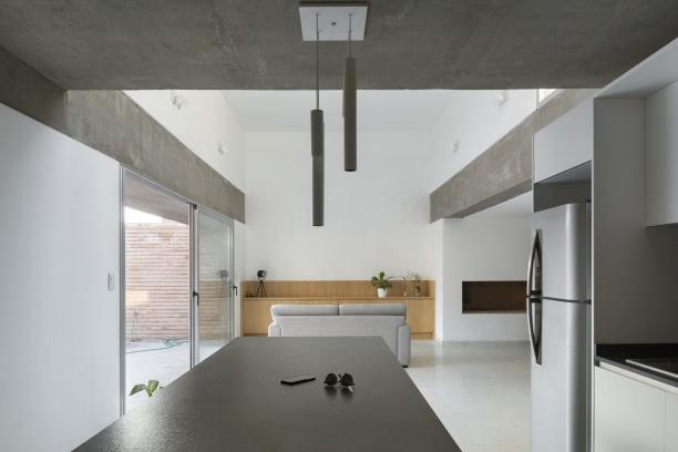 http://federicocairoli.com/files/gimgs/th-387_06_Casa para Jorgelina - © Federico Cairoli (low).jpg